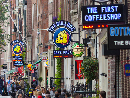 Coffeeshop the Bulldog nr 90, de eerste coffeeshop in Nederland