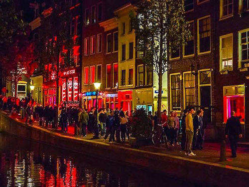 Amsterdam red light district this is a place that must be explored with all your senses and an open mind amsterdam red light district walking tours below sciox Image collections